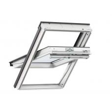 VELUX Premium logs ar rokturi vērtnes augšā, trīskāršu stikla paketi un baltu apdari