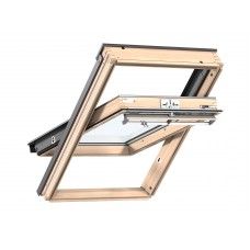 VELUX Premium logs ar rokturi vērtnes augšā un trīskāršu stikla paketi